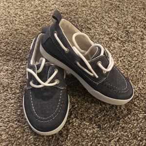 Size 10 chambray boat shoes